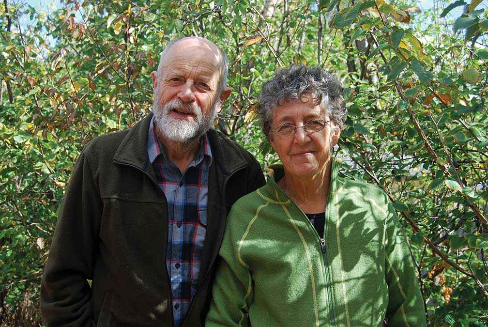 Terry and Fay White shared their experiences of working with Waterwatch, Saltwatch and Ribbons of Blue from the 1970s to the 1990s. Fay wrote, sang and recorded many tree planting and environmental songs over that period.