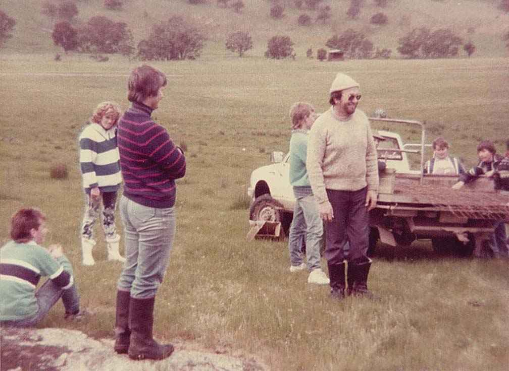 Pam Robinson (at left) facilitates a whole farm planning field day for the Warrenbayne Boho Land Protection Group in 1987.